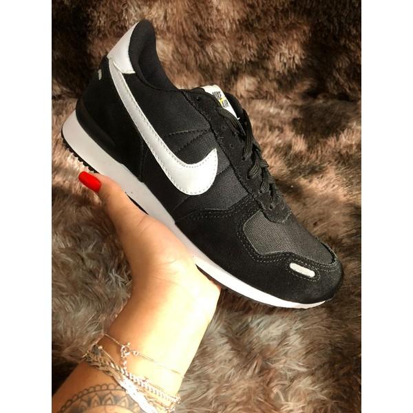 Tênis Nike Preto Camurça